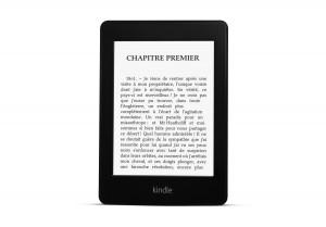 La liseuse Kindle PaperWhite et son écran éclairé.